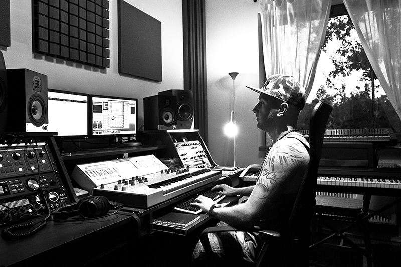 Music Studio The Place Where Diginoiz Loops And Samples Are Born